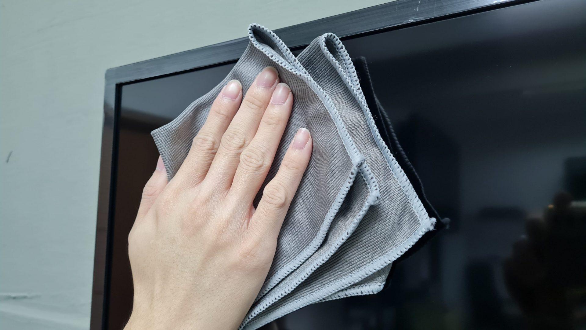 How to clean TV screen scaled p8q9uldh8tqjv2rhbniprd8purviczytdjktgi0x80 - How To Clean TV Screen